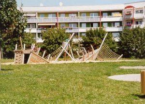 Spielschiff im bautzener Wohngebiet Gesundbrunnen